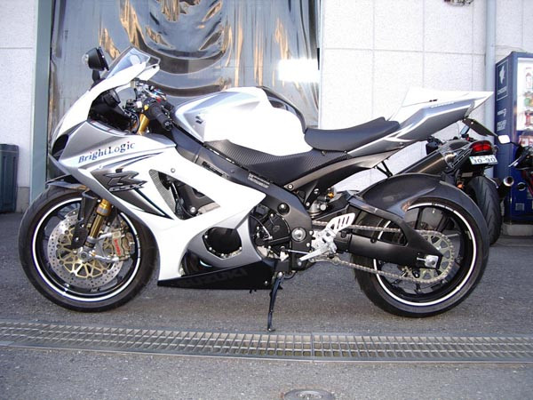 GSX-R1000 K8 2.JPG