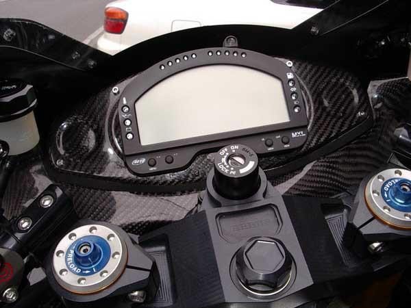GSX1300R  隼 ブラックメタリック_ゴールド文字18.JPG