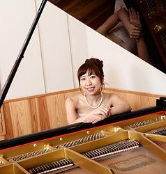 Piano, Harp、Marimba 原口沙矢架 (Sayaka Haraguchi )