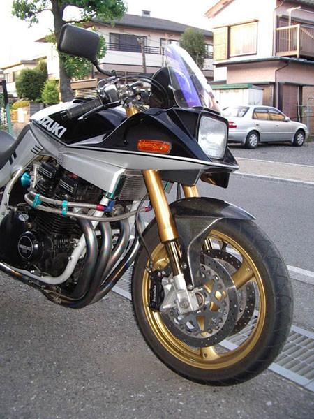 SUZUKI カタナ1100 4.JPG
