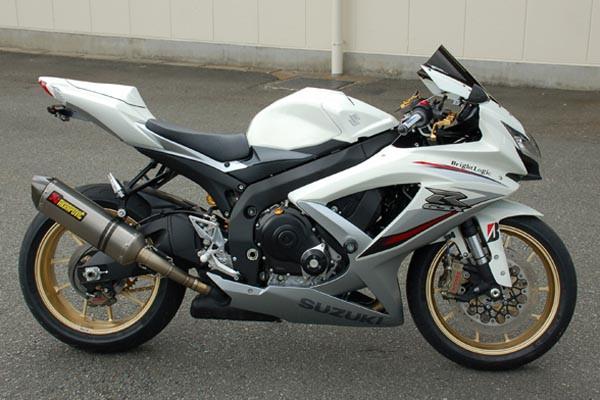GSX-R750 K9 3.JPG