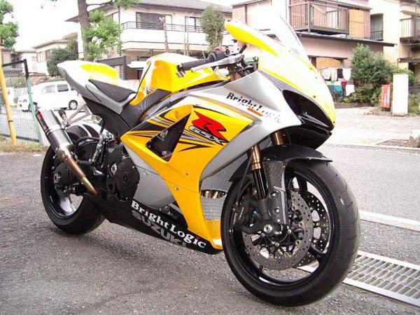 GSX-R1000  K7 3.JPG