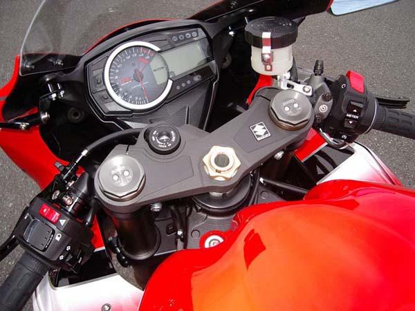 GSX-R1000 レッド