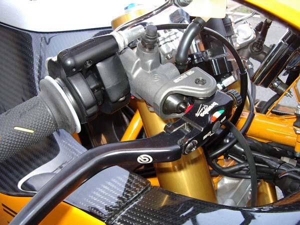 DUCATI MH900 11.JPG