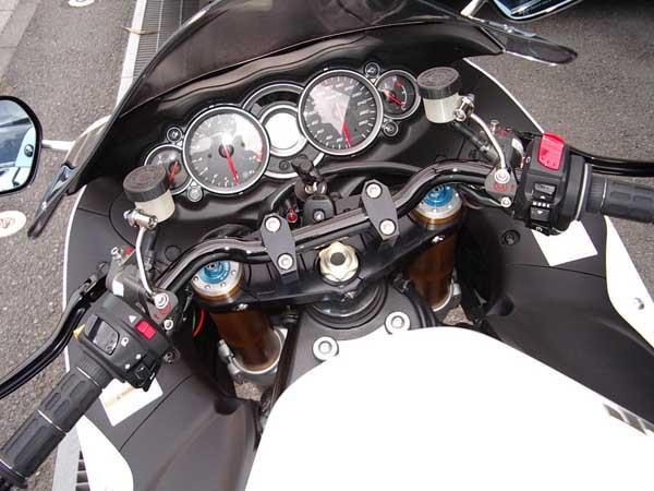GSX1300R 隼 '09 ホワイト7.JPG