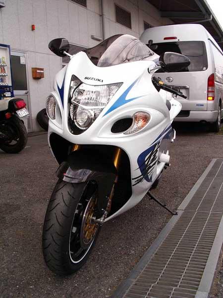 GSX1300R 隼 '09 ホワイト5.JPG