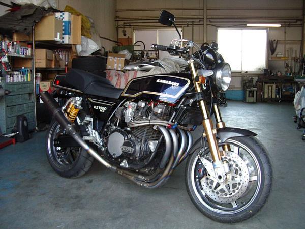 KAWASAKI Z1000 Mk.2 2.JPG