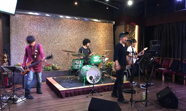 MUSIC FRONT バンド派遣 ツーケン工業様 忘年会パーティー