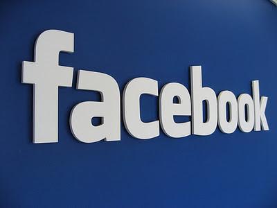 Η έντονη διαδικτυακή ζωή σχετίζεται με μακροζωία. Αρκεί η ισχυρή online παρουσία να «μεταφράζεται» κ