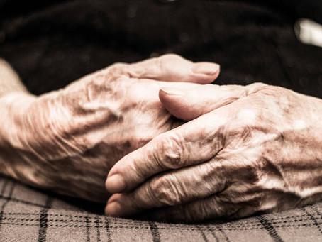 Διπλάσιος ο κίνδυνος να πεθάνουν από κορονοϊό οι ηλικιωμένοι με ψυχικές διαταραχές