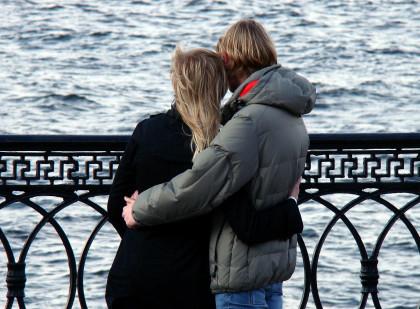 Έρευνα: Η πανδημία χειροτέρεψε τις προσωπικές σχέσεις, λέει το 40% των Ελλήνων