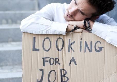 H ανεργία αλλάζει την προσωπικότητα -Τι λένε οι ψυχολόγοι