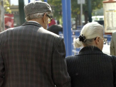 Οι ηλικιωμένοι ανά τον κόσμο έχουν πιο φιλοκοινωνική συμπεριφορά από ό,τι οι νεότεροι