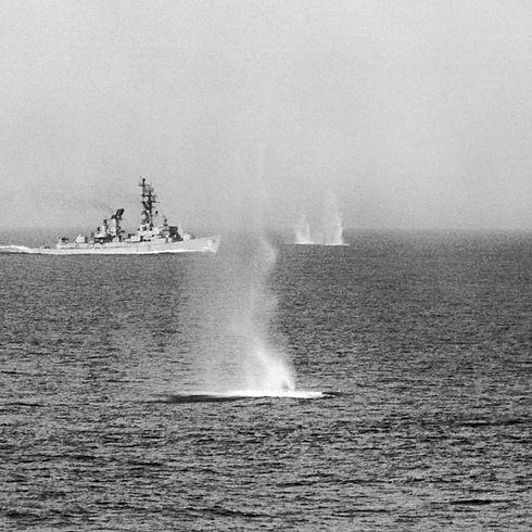 gulf-of-tonkin-warfare.jpg