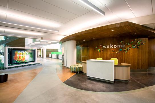 Kaiser Antelope Valley-Interior Lobby Taylor 2014.jpg