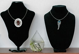 silver jewelry diplay pendants