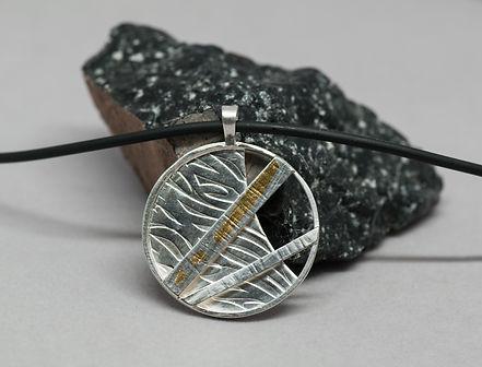 pendant silver texture gold