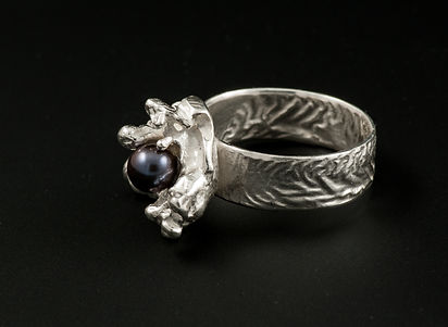 Silver ring salt casting black pearl reticulation
