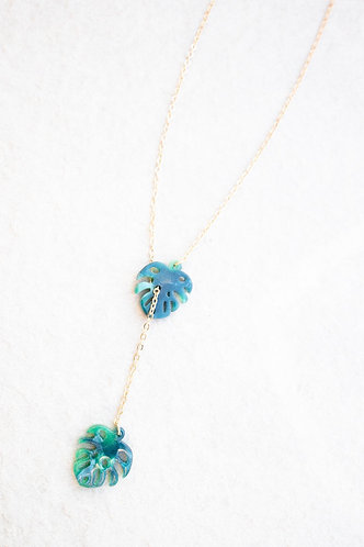 Green entwined leaf necklace N023