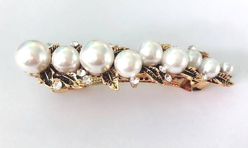 Vintage gold pearl clip