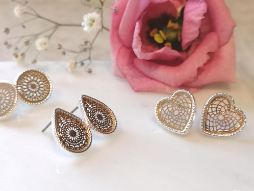 Gold detailed earring studs EL39