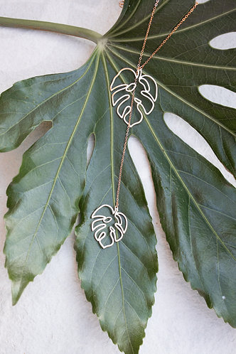 Interlink leaf necklace