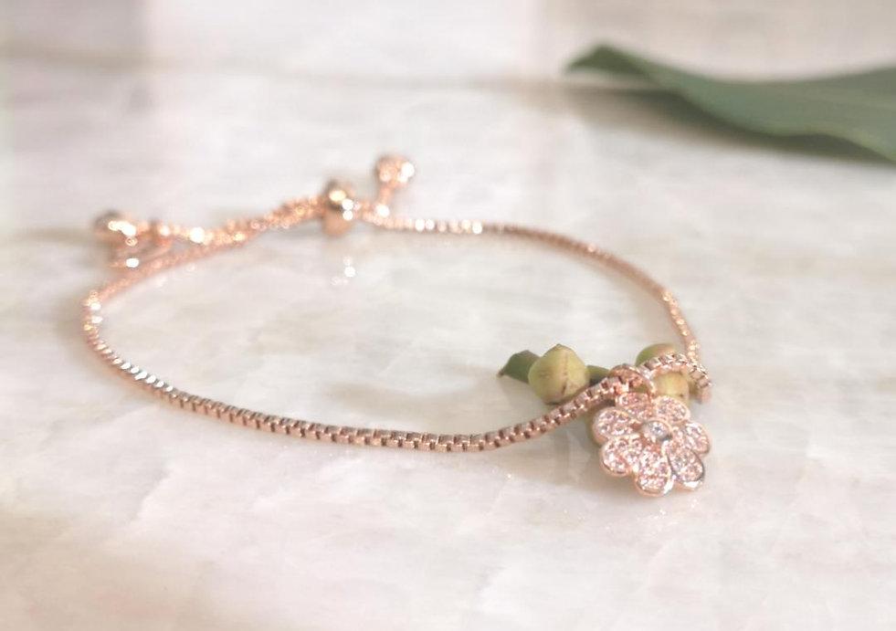 bracelet r flower.jpg