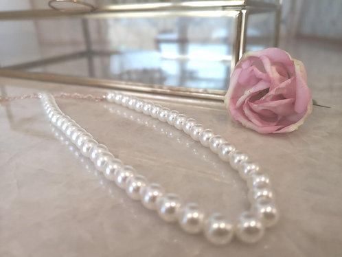Girls Pearl Necklace.