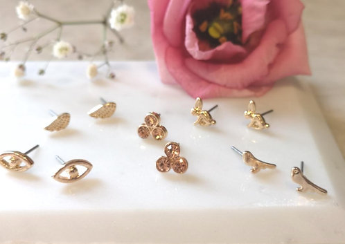 5 pairs of stud earrings
