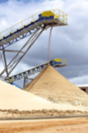 silica sand washing.jpg