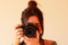 拿相機的女孩
