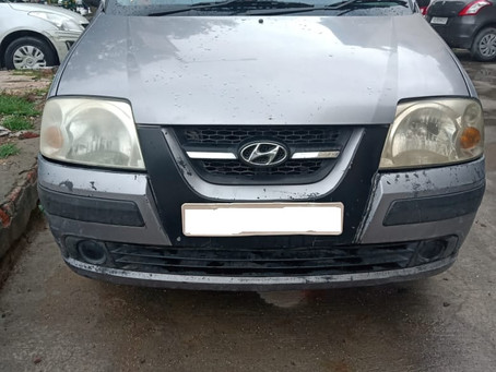 Hyundai Santro at Give away price