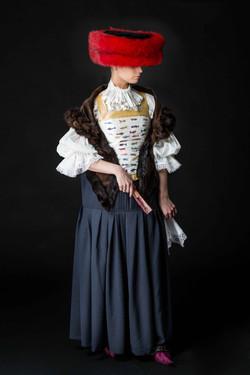 הגבירה משטרסבורג,לבוש בגדי חמודות