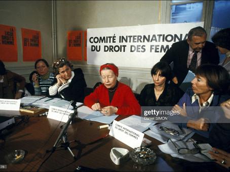 A influência do materialismo dialético no pensamento feminista de Simone de Beauvoir