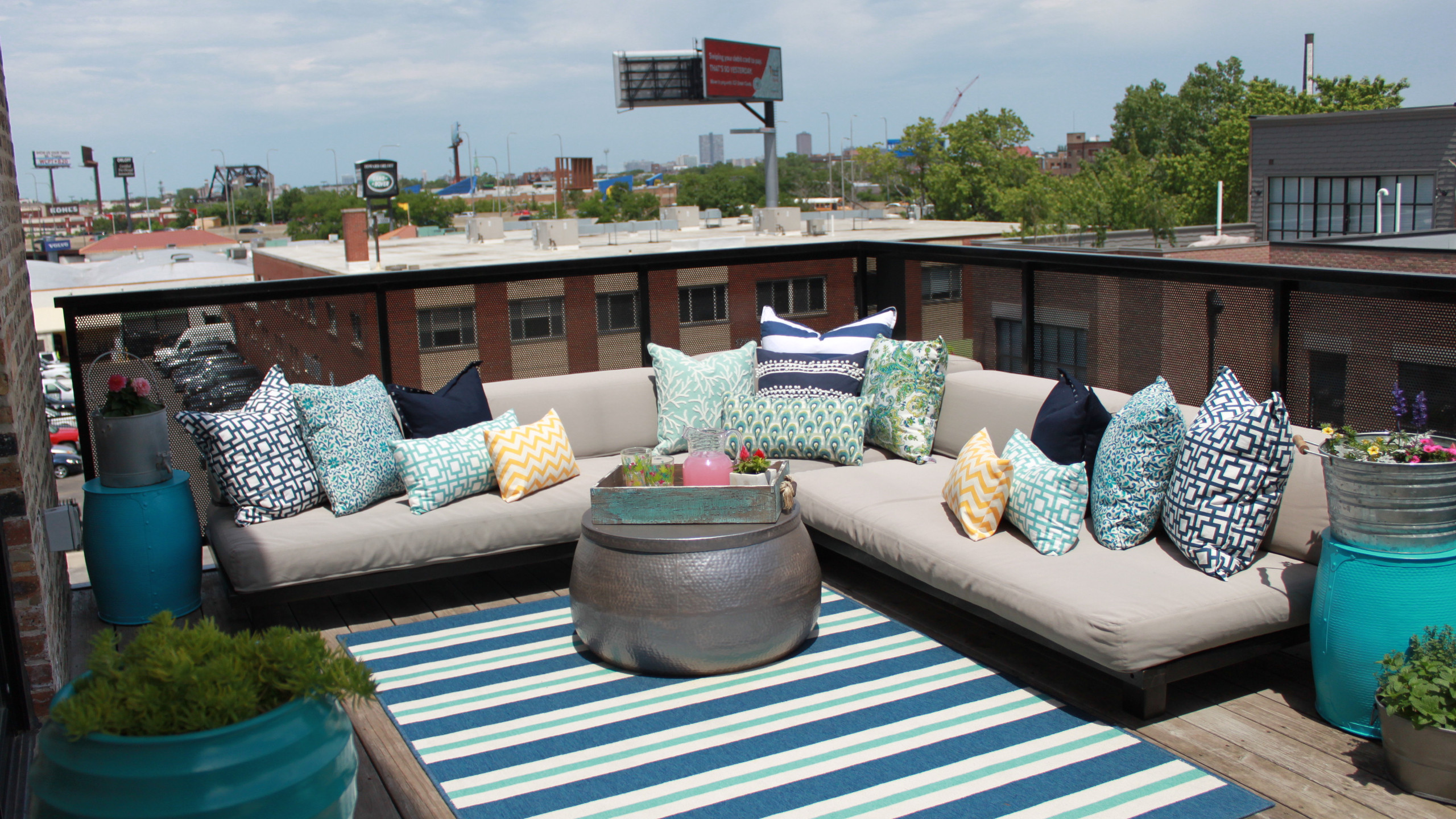 Top Floor Deck with Lounge Seating