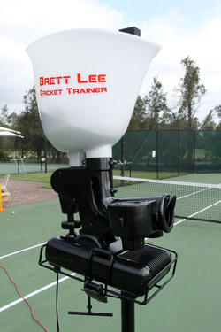 (WSI) Brett Lee Cricket machine