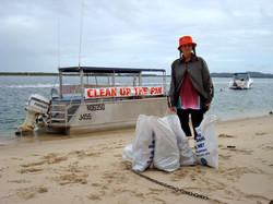 The Pin Oyster Barge & Liz