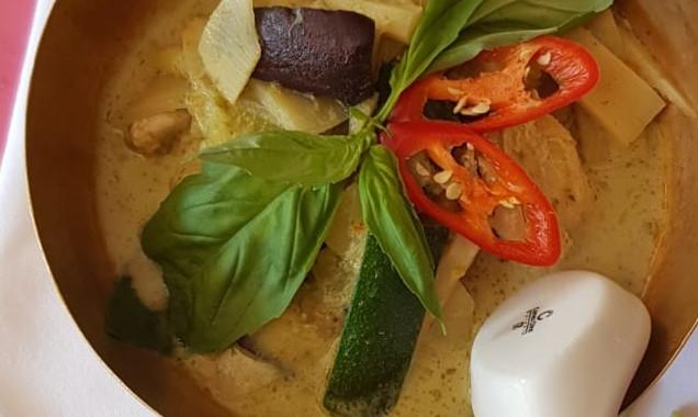 Rakhang Green Curry