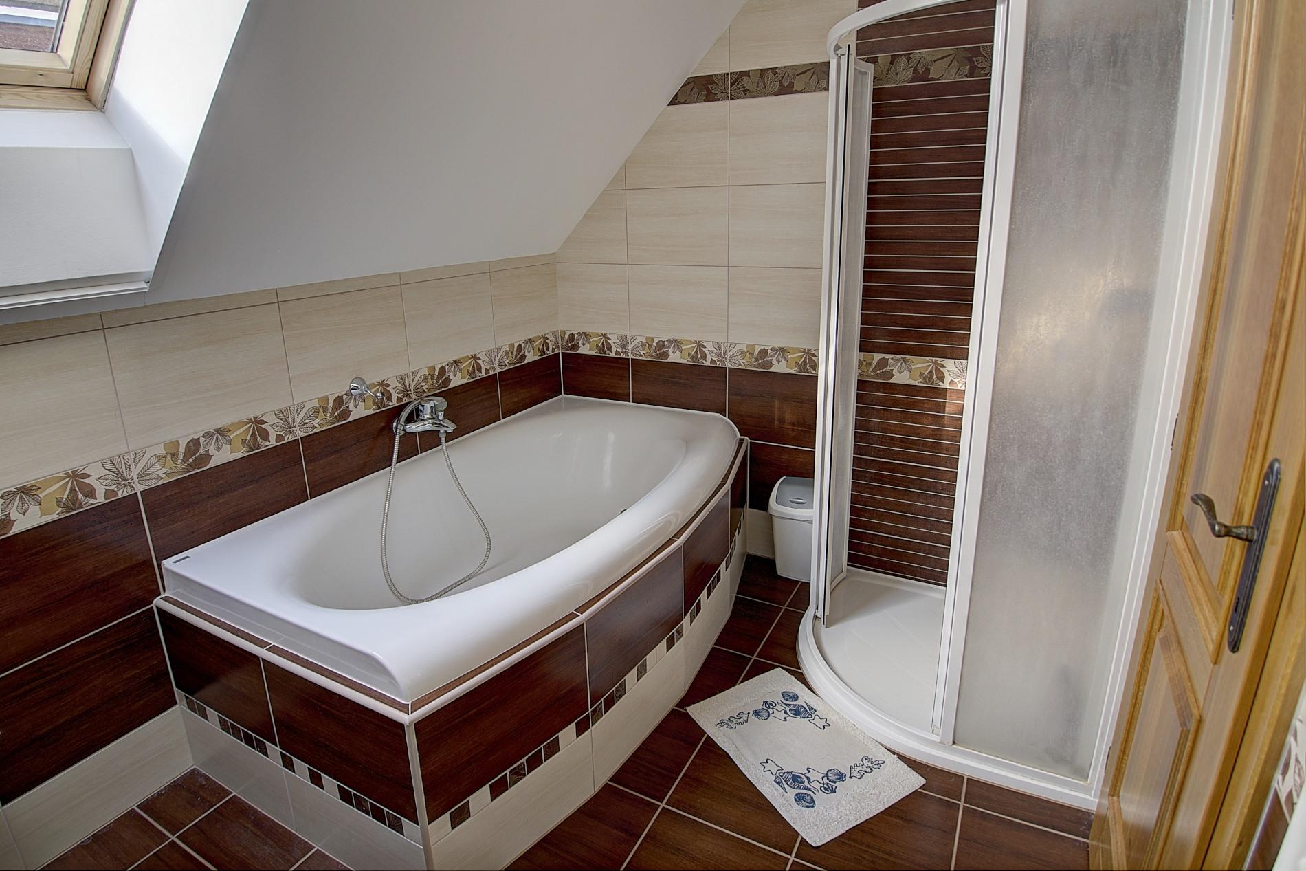 Veronika - koupelna v patře