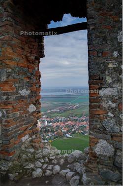 Dívčí hrad - pohled na Nové Mlýny