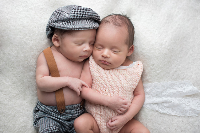 Newborn Twins cuddling, photoshoot