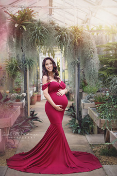 Maternity Session in Deep Cut Gardens