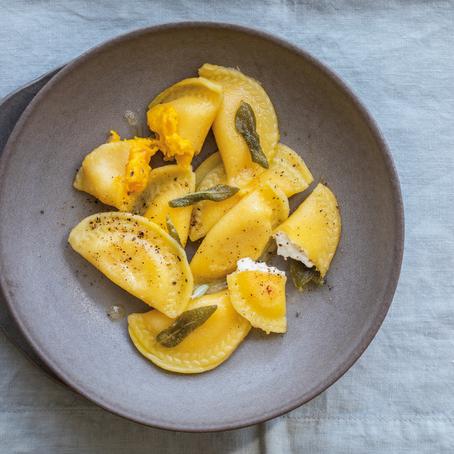 Recept: Italiaanse Ravioli met geroosterde pompoenvulling
