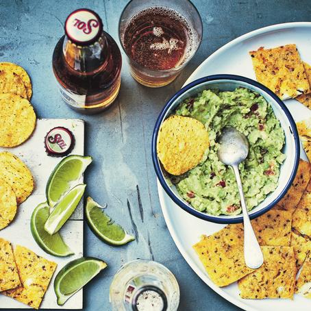 Recept: Gegratineerde nacho's en guacamole