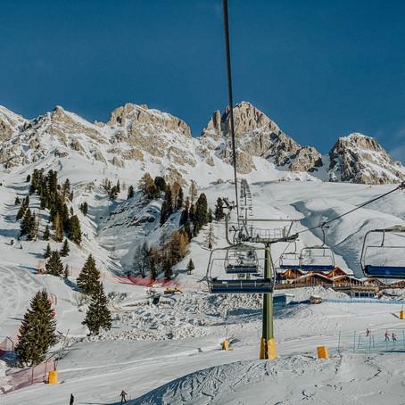 Wintersport in Val di Fassa, Italië