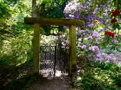 Garden_gate_Hodnet_Hall_Gardens_©_Maria_Nunzia__Varvera_
