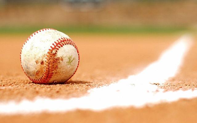 baseball-wallpaper_4291510.jpg