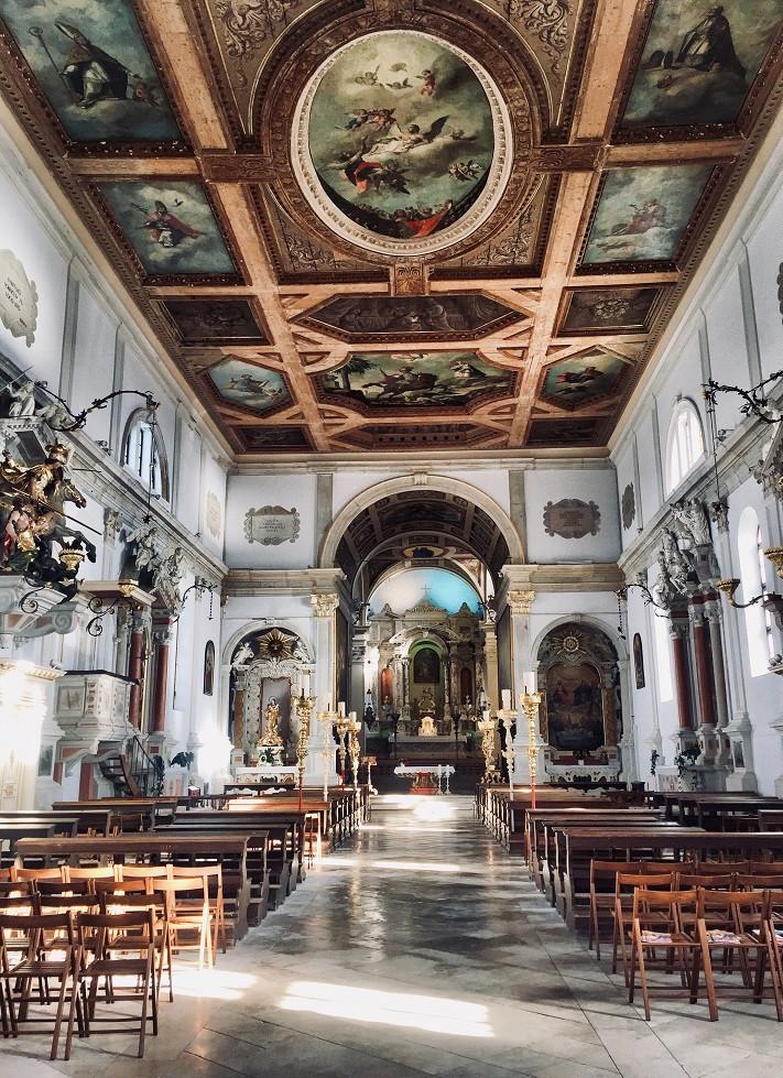 Interiér Chiesa di San Giorgio