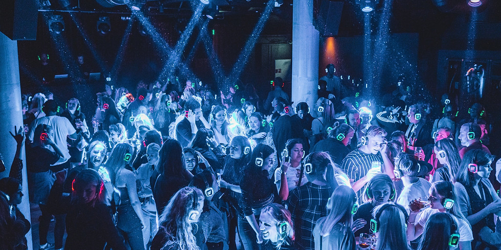 Silent Disco Club // Youngs Nede // Fredag 06. Desember