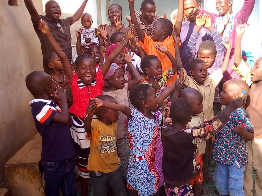 Les enfants du club du centre d'ADC